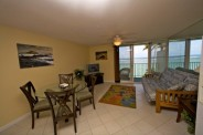 Beach Front View Vacation Rental - experience the magic of authentic Hawaii
