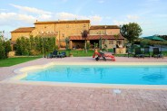 Tuscany cortona Italy vacation rental luxury suites